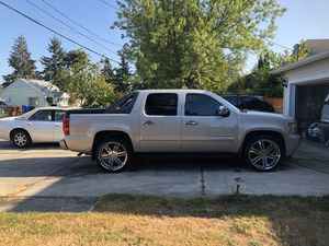 24's Zenetti wheels with new tires for Sale in Tacoma, WA