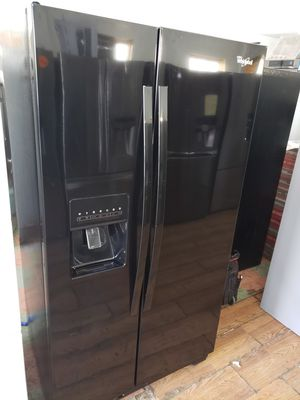 "WHIRLPOOL 33"" BLACK COMPACT SIDE BY SIDE REFRIGERATOR for Sale in Pasadena, CA"