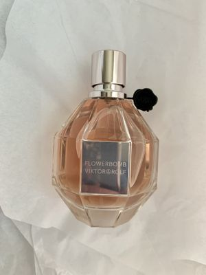 Flowerbomb perfume for Sale in Amarillo, TX