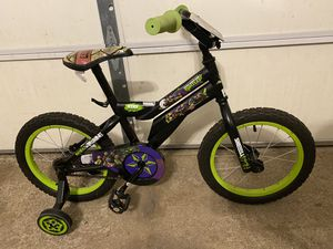 16 inch kids bike with training wheels for Sale in Aurora, IL