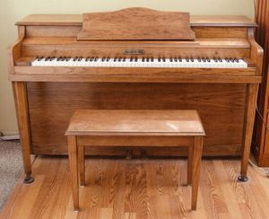 Schafer & Sons Piano || Will Deliver for Sale in Los Angeles, CA