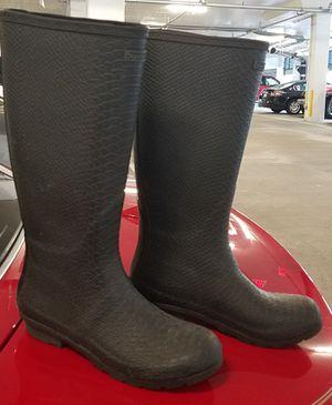 BearPaw rain boots, size 8 for Sale in Arlington, VA