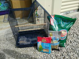 Bird cage and stuff to go with it for Sale in Hannibal, MO