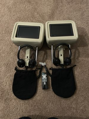 2011-2016 Infiniti Q56-Q80 head rest set with DVD player,headsets and remote control. for Sale in Bolingbrook, IL