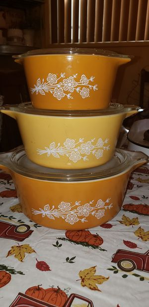 Vintage pyrex set for Sale in Carson, CA