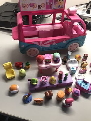 Shopkins bus with lot of shopkins toys for Sale in Chicago, IL