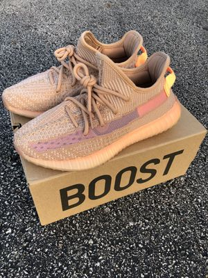 Yeezy 350 V2 Clay size 7.5 for Sale in Columbus, OH