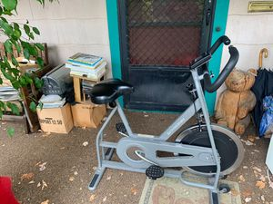 Schwinn dx900 exercise bike for Sale in Portland, OR