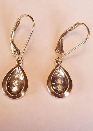 14K yellow gold genuine diamond trio pear shaped dangle pierced earrings for Sale in Lake Stevens, WA