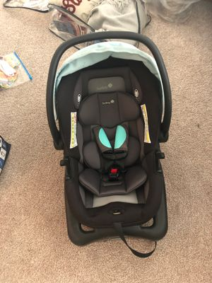 Safety first car seat with base for Sale in Wilmington, NC