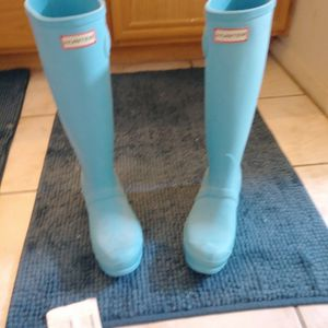 Hunter Tall Rain Boots In Blue Size 6 for Sale in Las Vegas, NV