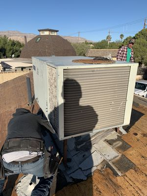 Ac for sale works great American standard 220v for Sale in North Las Vegas, NV