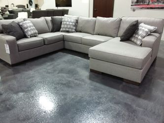 CONTEMPORARY XL SECTIONAL SOFA WITH ACCENT PILLOWS AND LARGE CHAISE for Sale in Dallas,  TX