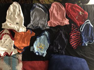 Newborn Onesies (Unisex Colors) for FREE for Sale in St. Louis, MO