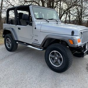 2004 Jeep Wrangler Excelent Condition for Sale in Fresno, CA