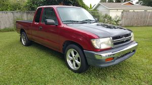 99 toyota tacoma sr5 for Sale in Kissimmee, FL