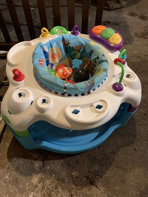 Baby play saucer for Sale in Chicago, IL