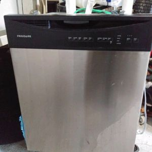 Dishwasher Frigidaire for Sale in Port St. Lucie, FL