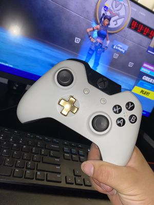 Xbox One Controller for Sale in Fresno, CA