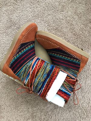 TOMS Nepal Suede Boots for Sale in Lake Wales, FL