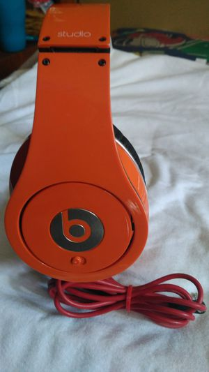 BEATS BY DR DRE WIRED HEADPHONES GOOD SOUND for Sale in Escondido, CA
