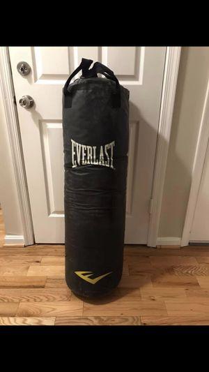 Everlast 80 lb punching bag for Sale in Manassas, VA