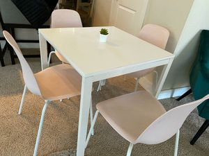 Table and 4 chairs for Sale in Santa Cruz, CA