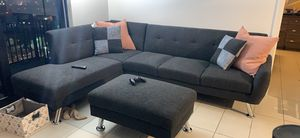 L shaped sectional couch for Sale in Miami, FL