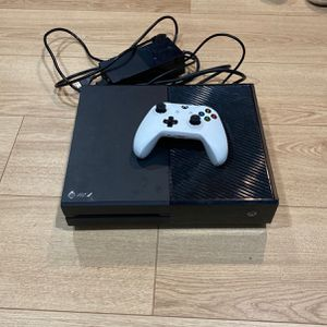 Xbox One, Awesome Shape for Sale in Boca Raton, FL