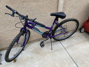 Roadmaster Womens Mountain Bike for Sale in San Diego, CA