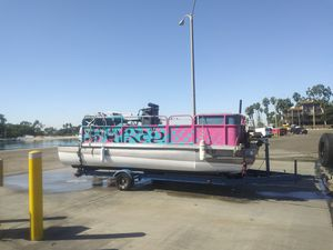 Pontoon Boat $2995 for Sale in Long Beach, CA