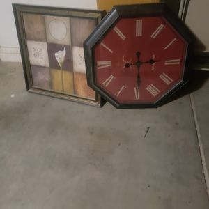For sale clock and picture clothes for Sale in Phoenix, AZ