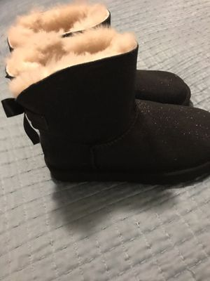 Uggs boots size 5 for Sale in San Diego, CA
