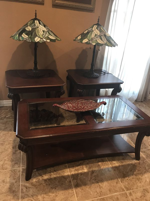 3 Set Table With Lamps From Rooms To Go Set De Tres