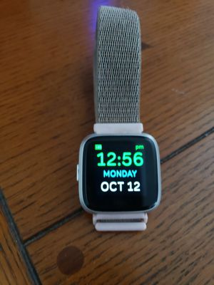 Fitbit versa lite edition for Sale in Tampa, FL