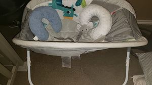 Baby rocker & pillows for Sale in Alamo, TX