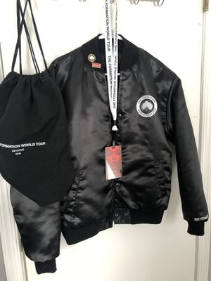 Beyoncé The Formation Tour 2016 Bomber Jacket and accessories for Sale in Woodbridge, VA