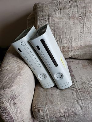 Broken Xbox 360s for Sale in East Peoria, IL