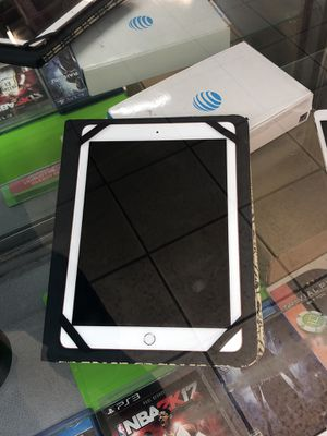 Apple iPad 6th gen for Sale in Cleveland, OH