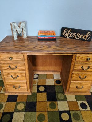 Nice desk for Sale in Chowchilla, CA