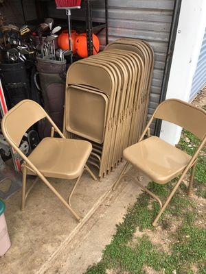 18 metal folding chairs very good shape $135 for Sale in Varna, IL