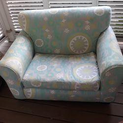 Small sofa for kids, pets, dog bed, children's room for Sale in Atlanta,  GA