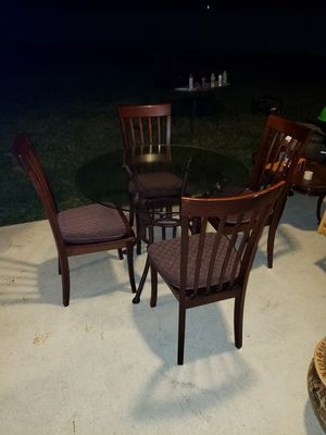 Table with chairs for Sale in Kissimmee, FL