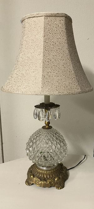 Vintage Crystal Lamp for Sale in Diamond Bar, CA