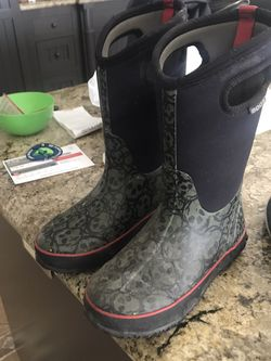 Kids Size 4 Rain Boots. Used Good Shape! for Sale in San Clemente,  CA