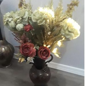 Flowers With Vase for Sale in Littleton, CO