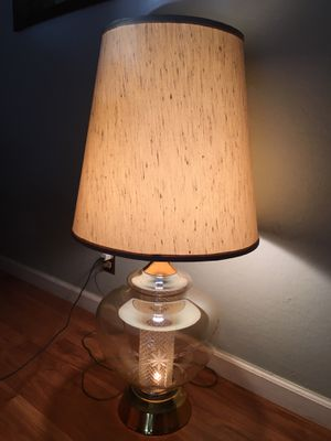 Mid century table lamp for Sale in Vallejo, CA