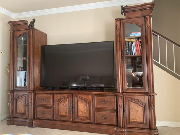 Beautiful Wood Entertainment Center: TV Stand+2 Bookshelves
