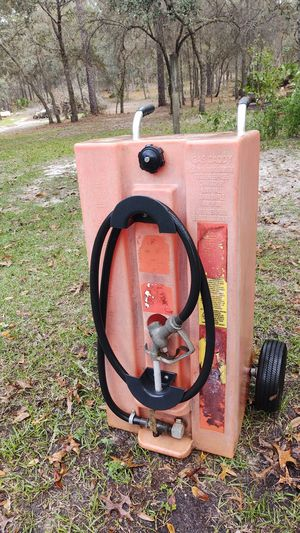 Gas Caddy holds 30 gals gas for Sale in Homosassa Springs, FL