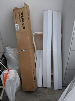 Under cabinet lights plus 22 bulbs for Sale in Portland, OR